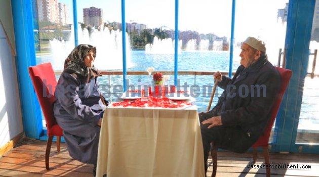 87'lik çifte 70'inci evlilik yıl dönümü sürprizi