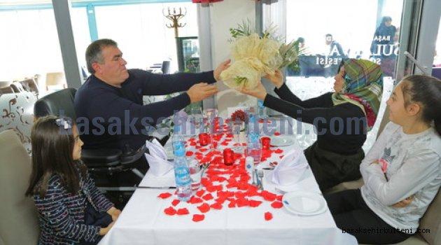 Engelli çifte 14. yılda 14 Şubat süprizi