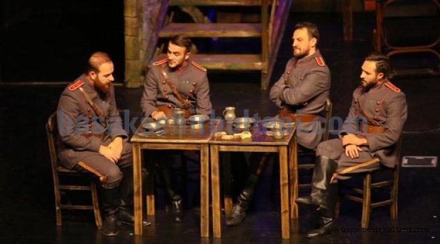 'Tatar Çölü' seyirciyle buluştu